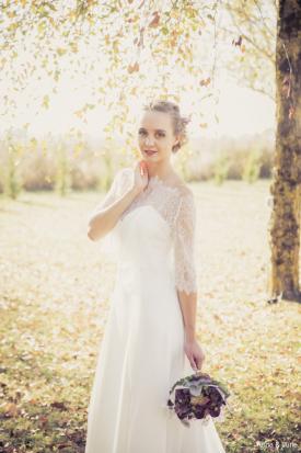 robe de mariée fluide deux sèvres, création robe de mariées fluide niort,créateur robes de mariée fluide poitiers,robe de mariées traine en dentelle chantilly